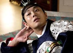 韩片《我是王》先行预告 朱智勋分饰两角帅气抢镜