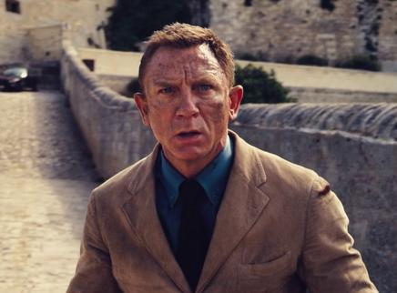 """《007:无暇赴死》""""邦德归来""""版全新预告 系列最高潮行动蓄势待发"""