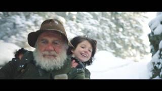 爷爷脸上出现久违的笑 海蒂和爷爷山间滑雪