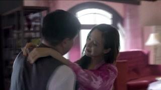 紫玫瑰和胡局长一起跳舞 谁知胡局长用腰带杀死了她