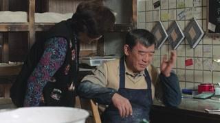 舅舅六十大寿 可可打电话送来祝福!