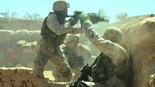 美国和伊拉克战争现场 这简直就是枪林弹雨啊