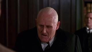 史蒂文森推荐两人为仆役  一个是父亲另一个是日后心上人