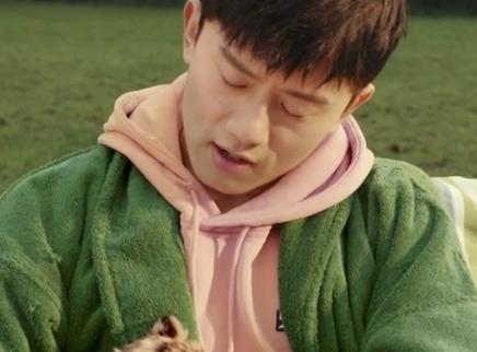 《阳光劫匪》主题曲MV 张杰倾情献唱《别把我丢了》