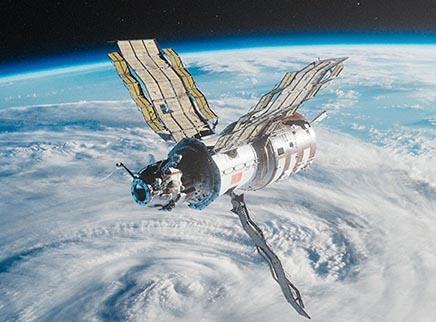 """《太空救援》定档预告 3D视角让观众""""漫步宇宙"""""""
