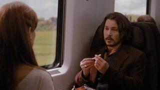"""火车上""""猜猜我是谁""""    绝佳的撩妹大法"""