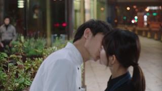 《幸福一家人》月月小龙初吻送上 这是一条福利视频