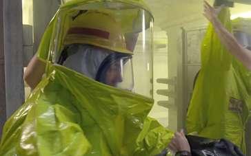 《骇客交锋》精彩特辑 主创谈前期防核辐射服准备