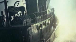 震惊!看小渔船如何干沉潜艇