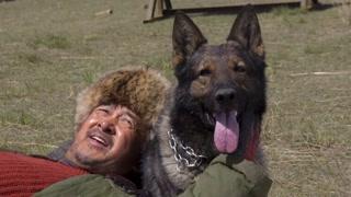 《血狼犬》工作花絮曝光