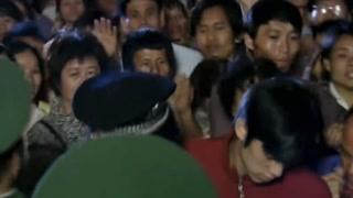 《突发事件》组织安排群众用船撤离 钟磊也上船了