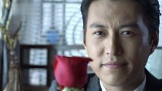 大敌当前靳东却还在香港撩妹!他竟然是个近景魔术大师!