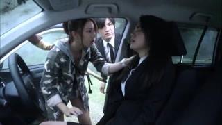萌亚在车内昏迷 石刈亚璃依和怪兽胶囊不见了?