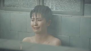 顾燕帧穿衣服洗澡可还行? 明目张胆偷看媳妇洗澡!