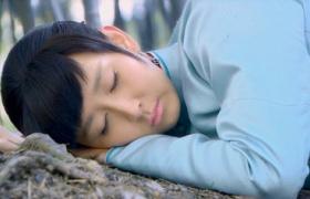 【泪洒女人花】第37集预告-胡静不惧危险救丈夫