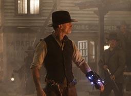 《牛仔与外星人》片段 外星怪兽凶残现身血洗民宅