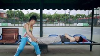 《爱情公寓3》诺澜与一菲的网球比赛 怎么感觉像一菲输了