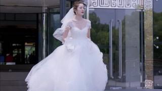 """剧情不够""""车祸""""来凑?穿着婚纱的娜扎狂奔医院!"""