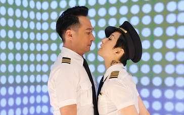 """《冲上云霄》发布主题曲MV 机长领衔颜控""""天团"""""""