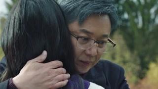 《猎狐》艾琳看到父亲的白发十分愧疚 主动向王柏林道歉
