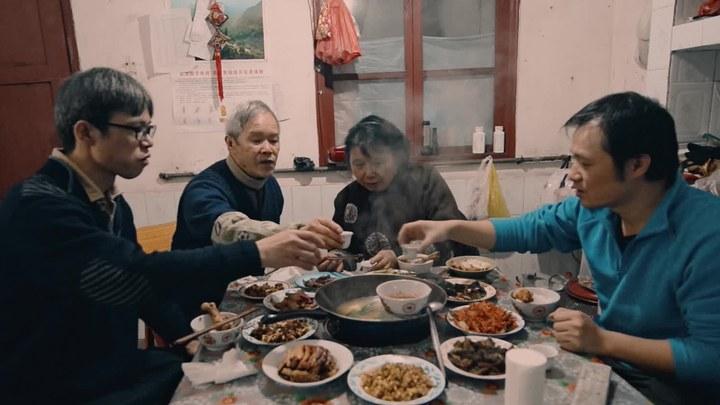 四个春天 预告片2:章宇配音归乡版 (中文字幕)