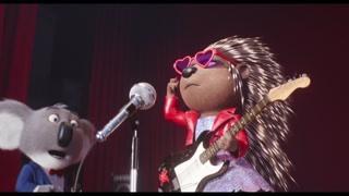 艾希上台上演劲爆摇滚