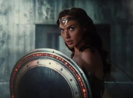 《正义联盟》角色预告神奇女侠篇 盖尔·加朵守护银镯展现强大威力