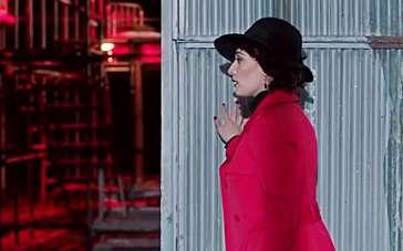 《推销员》法国预告片 夫妻生活苦恼红衣女现身
