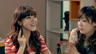 《爱情公寓3》曾小贤和美女网友见面    这差距有点大啊