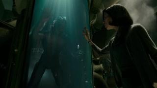 水形物语:艾丽莎与水怪的第一次见面 有种神秘的吸引