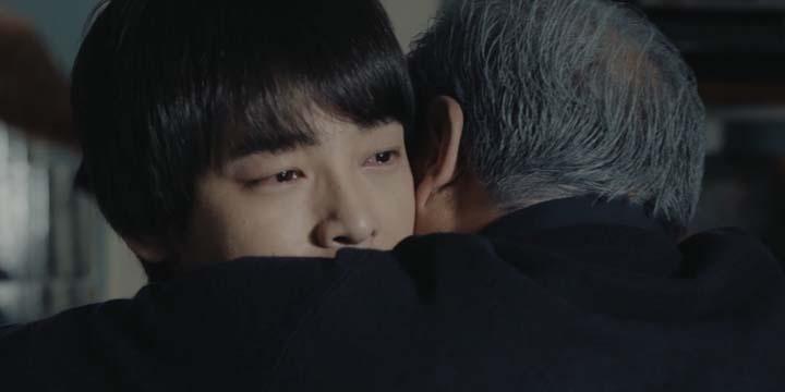 """《回到过去拥抱你》曝""""父子情""""片段"""