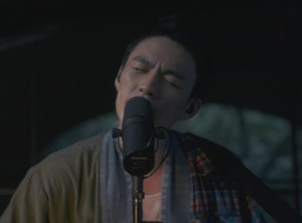 """《我在时间尽头等你》""""爱的告白""""曲MV 李鸿其自弹自唱深情告白李一桐"""