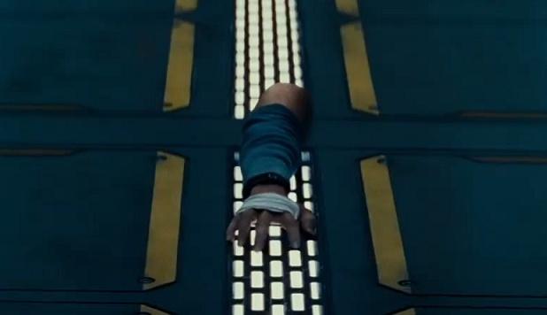 """《科洛弗悖论》""""超级碗""""预告 太空站上外星人"""