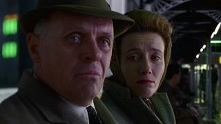 史蒂文森与肯顿的最后一面 相爱的人坐在一起却心隔万里