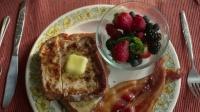 《丘奇先生》精彩片花5 艾迪·墨菲刀工了得 打造豪华早餐