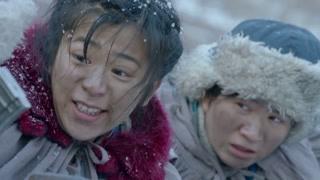 《雪地娘子军》女子在枪林弹雨中为孩子们唱歌  谱写挽歌绝唱