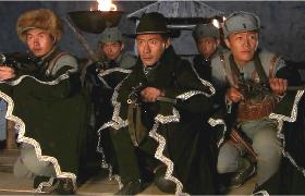 大漠枪神-29:燕双鹰带领战士夜袭山寨救人扑空