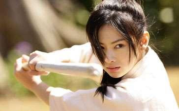 《花痕》中文预告片 少女比剑会友陷爱恋不能自拔