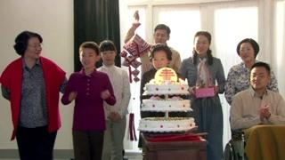 《历史转折中的邓小平》家人欢聚一堂给小平过温馨快乐的生日