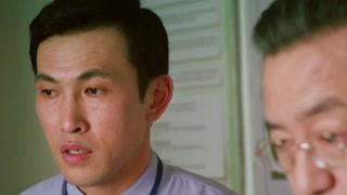 李秀明从昏睡中苏醒他六年来住在疯人院里 已经把这里当家