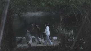 《玻璃面具》高森两人毁尸灭迹 给鳄鱼喂食?