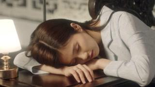 时宜在藏书楼睡着了