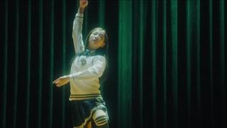 漫无止境的假期:小溪再在舞台上舞蹈 小夏为她照照片