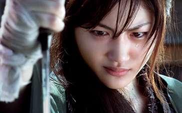 《女座头市》中文预告片 绫濑遥化身盲剑客杀无敌