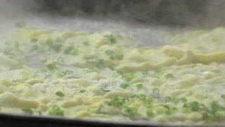 说起广州的早餐那肠粉肯定是排得上号的 看着都很诱人啊!