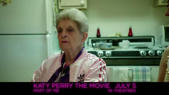 """凯蒂·派瑞:这样的我 片段5:""""With Grandma"""""""