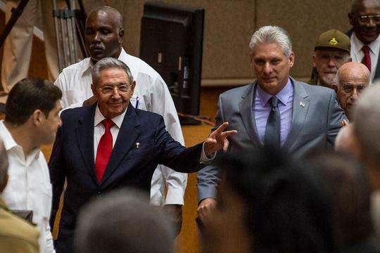 """古巴将迎来新一任领导人 告别""""卡斯特罗时代"""""""