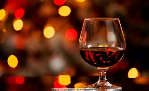 表情 酒杯干杯表情 拿着红酒杯的女人手 标准白酒杯 玻璃酒杯生产厂家