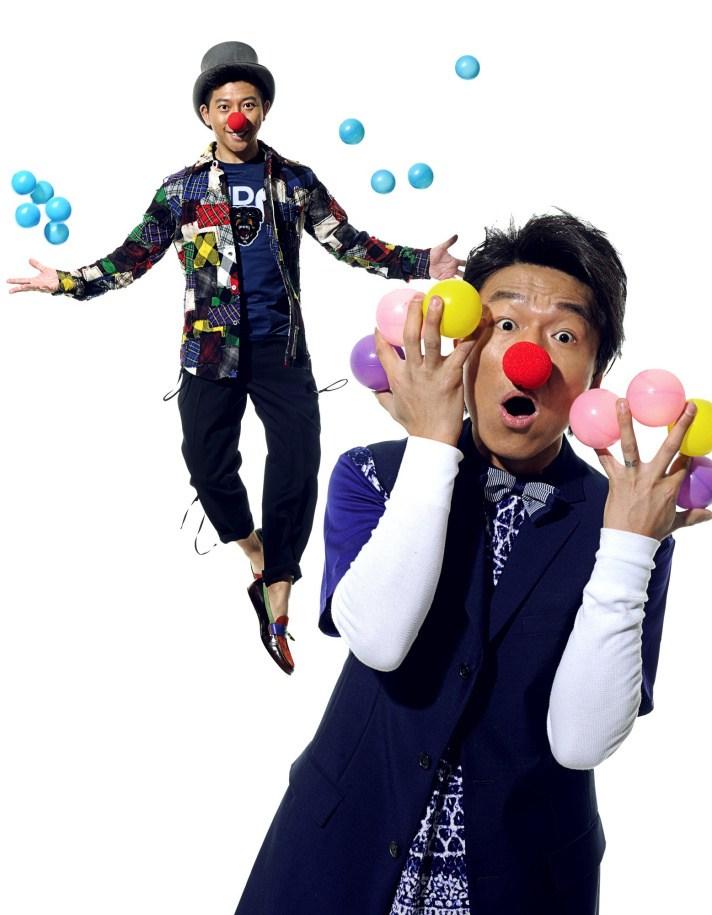 表情 羽泉写真时尚服装贴鼻子扮小丑表情搞怪 图 搭配资讯 中国服装网 表情