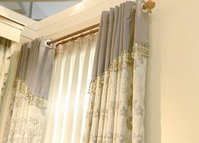 表情 窗帘用罗马杆还是滑轨杆好 还好装修前知道了 罗马杆 滑轨 窗帘 新浪网 表情